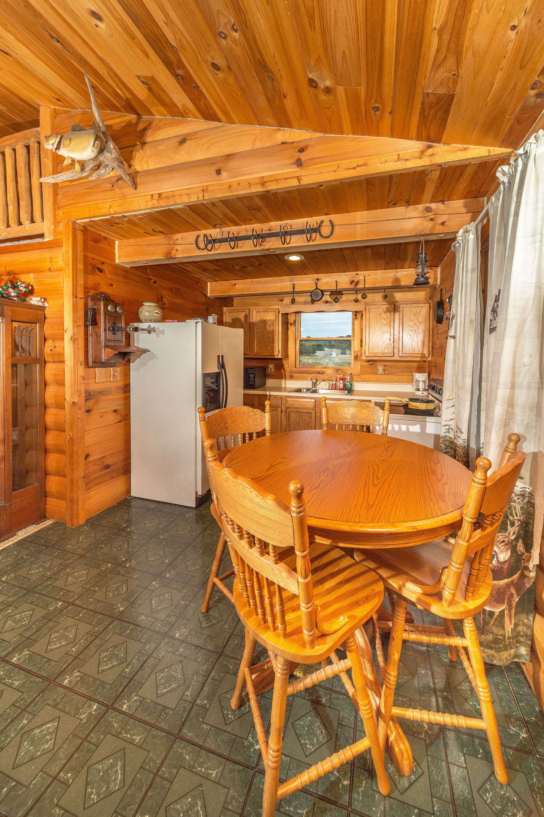 spacious fully in rentals cabin glenford flint ohio kitchen ridge and furnished wills rental cabins